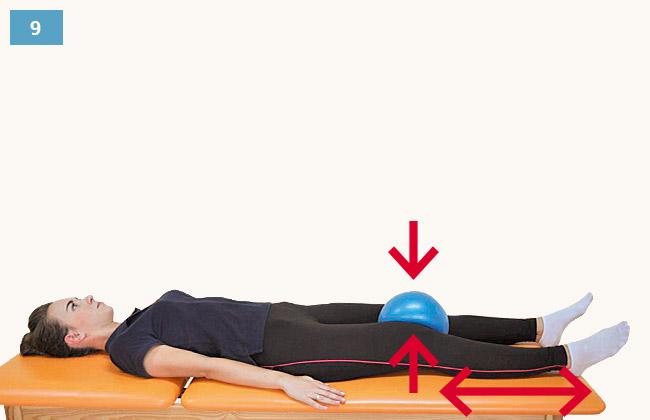 Ćwiczenie wzmacniające mięśnie przywodziciela uda w pozycji leżącej