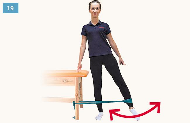 Ćwiczenie wzmacniające mięśnie odwodziciele uda w pozycji stojącej