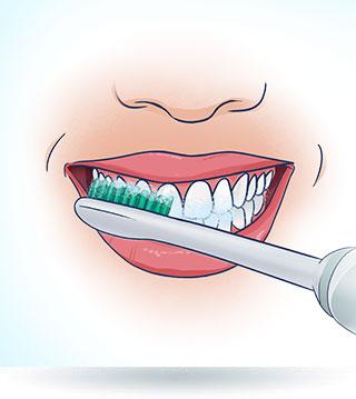 Mycie zębów szczoteczką soniczną